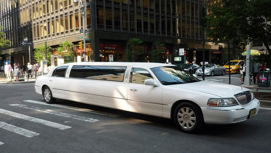 Best Limo service in Queens